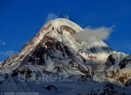 Alpine tour to mount Kazbek (Kazbegi) - Climb to Mkinvartsveri 5047m